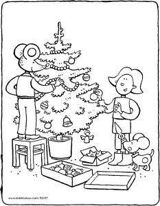 Emma and Thomas decorate the Christmas tree